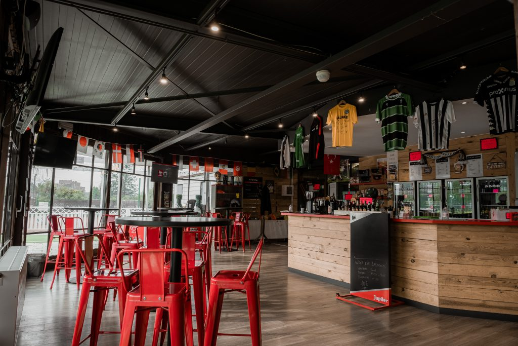 Club house FitFive Charleroi - la salle