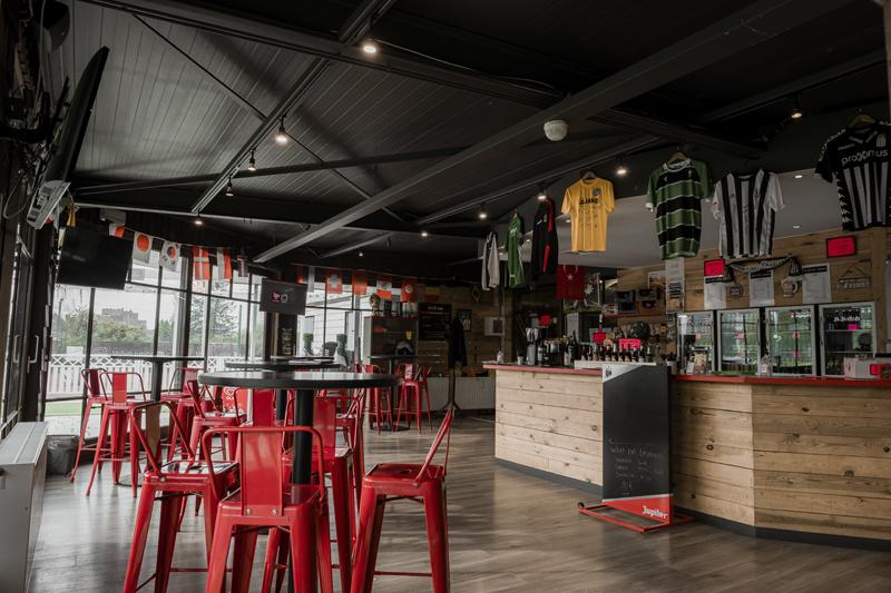 club house FitFive à Charleroi